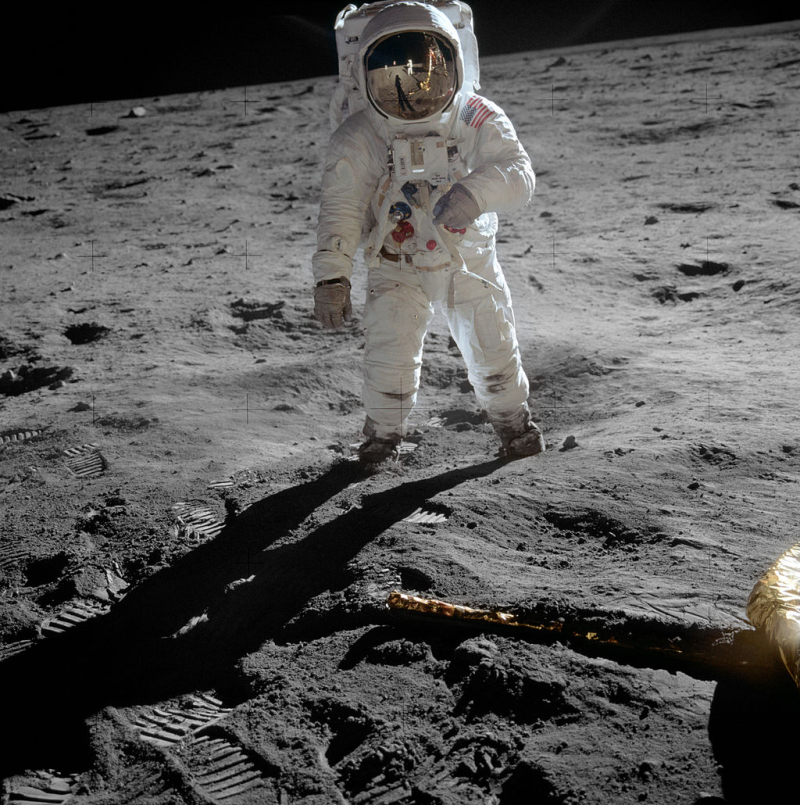 1024px-Aldrin_Apollo_11_original